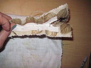 sewingzipper3-2578912
